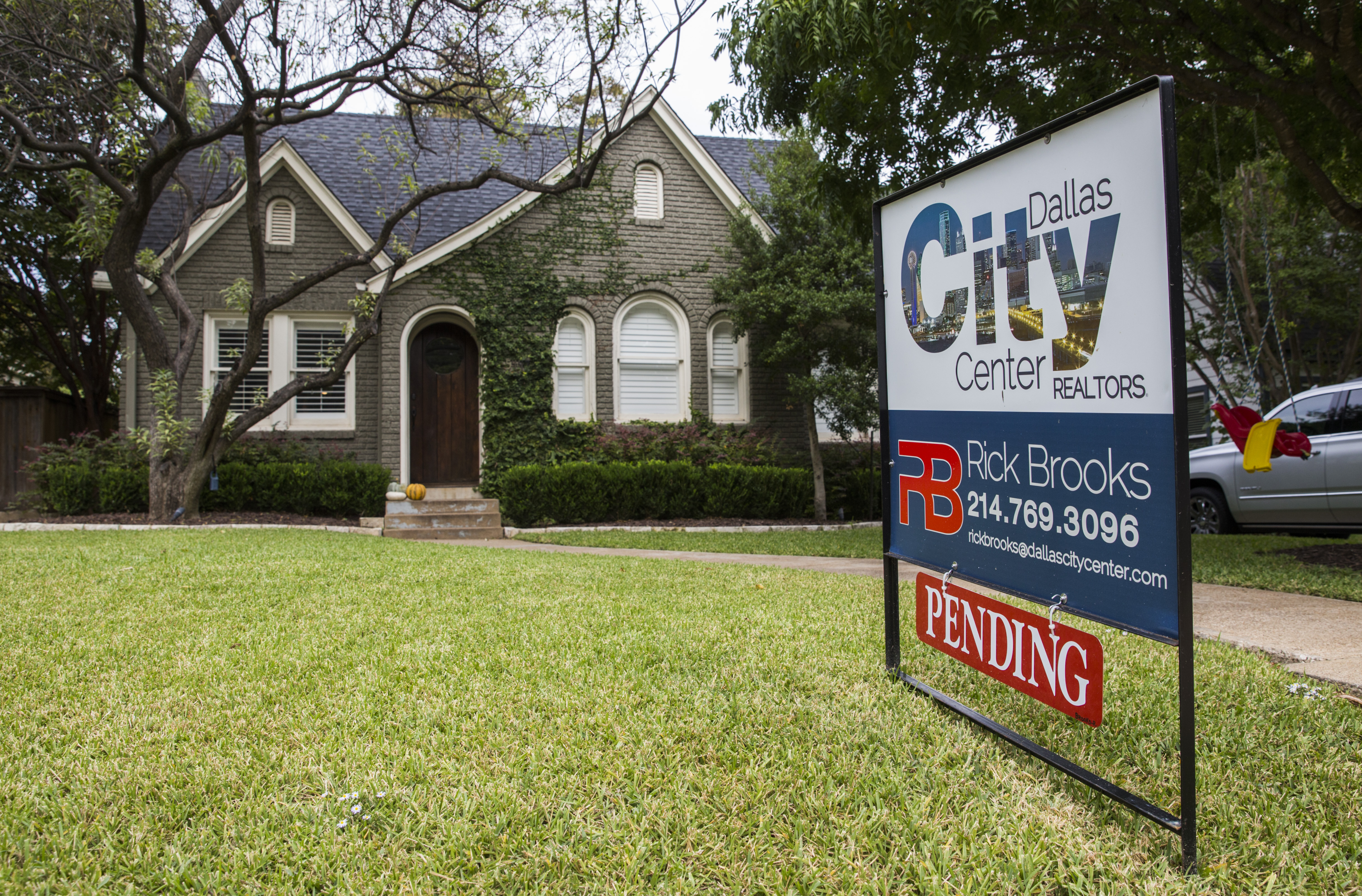 D-FW's median home sales price reaches new high at $260,000   Real