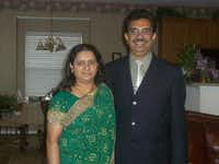 Viju Mathew (right) and his wife, Mariamma Viju.(Facebook)