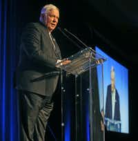 Tom Luce speaks as he receives the 2018 Linz Award at the Dallas Omni Hotel in downtown Dallas on Monday, April 16, 2018.  (Louis DeLuca/The Dallas Morning News(Louis DeLuca/Staff Photographer)