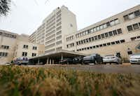The former Parkland Hospital buildings date back to the 1950s.(Rose Baca/Staff Photographer)