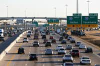 LBJ traffic heading eastbound toward I-30 near the Galloway Avenue intersection in Mesquite. (Vernon Bryant/The Dallas Morning News)