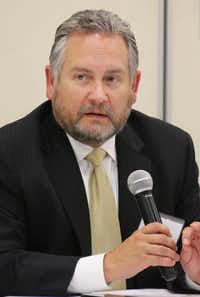 "<p><span style=""font-size: 1em; background-color: transparent;"">Mark Ginther, vice president of news for the station, </span></p>(Louis DeLuca/Staff Photographer)"