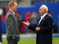 John Mara, president and chief executive of the New York Giants, speaks with Jeffrey Lurie, owner of the Philadelphia Eagles, before the teams play at MetLife Stadium in East Rutherford, N.J., Oct. 6, 2013. Mara, other NFL team owners, players and league executives held a confidential meeting in October 2017, when they were under sharp criticism from President Donald Trump over national anthem protests. During the three-hour session, the owners were particularly eager to find a way to avoid further public rebukes from Trump.(RICH SCHULTZ/NYT)