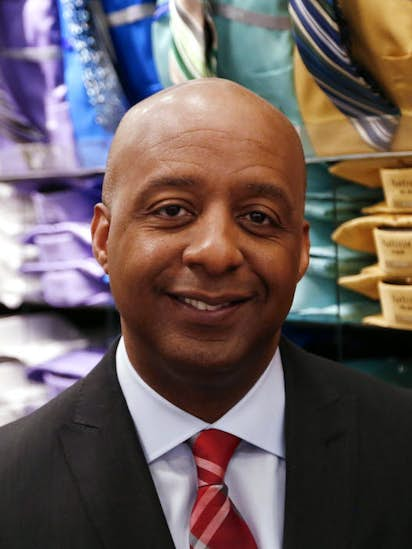J C  Penney CEO Marvin Ellison quits for top job at Lowe's and tells