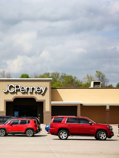 4d10b9619 J.C. Penney's board reassures shareholders it will find CEO with ...