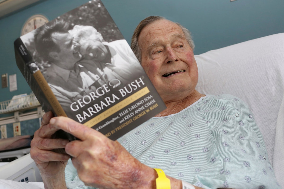 George H W Bush Becomes First U S President To Reach 94 Years Of