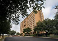 The Cliff Manor Apartments located on Fort Worth Avenue in Dallas is one of the properties the DHA has put in play.(DMN files)