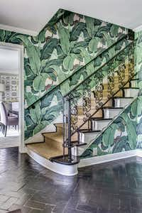 <p>The tropical print wallpaper hints at the rest of this Dallas home's unique furnishings and style, says Emily Johnston Larkin of EJ Interiors.</p>(EJ Interiors)