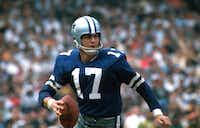 Dallas Cowboys quarterback Don Meredith gets set to throw a pass circa 1967.(File Photo/Associated Press)