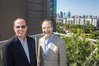 "<p><span style=""font-size: 1em; background-color: transparent;"">Forest City senior vice president Jim Truitt (left) and </span><span style=""background-color: transparent; font-size: 1em;"">Brian Ratner, the company's Texas president, </span><span style=""font-size: 1em; background-color: transparent;"">pose for a photograph near the pool.</span></p><p></p><p></p>(Carly Geraci/Staff Photographer)"