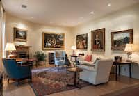 The living room of Dallas art collectors Thomas and Jeanne Campbell(Rex C. Curry/Special Contributor)