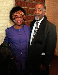 Earlie and Eli Davis pose at the 41st Annual Ebony Fashion Fair held at Fair Park's Music Hall Sunday, March 14, 1999.(Dallas Morning News file photo)