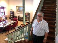 <p>Al Zapanta, in an interview recently at the Irving office of the U.S.-Mexico Chamber of Commerce he used to head up, told<i> The News</i> that he did greet voters inside the polling place building. He says he did so only because they approached him. (Elvia Limón/ Staff)</p>