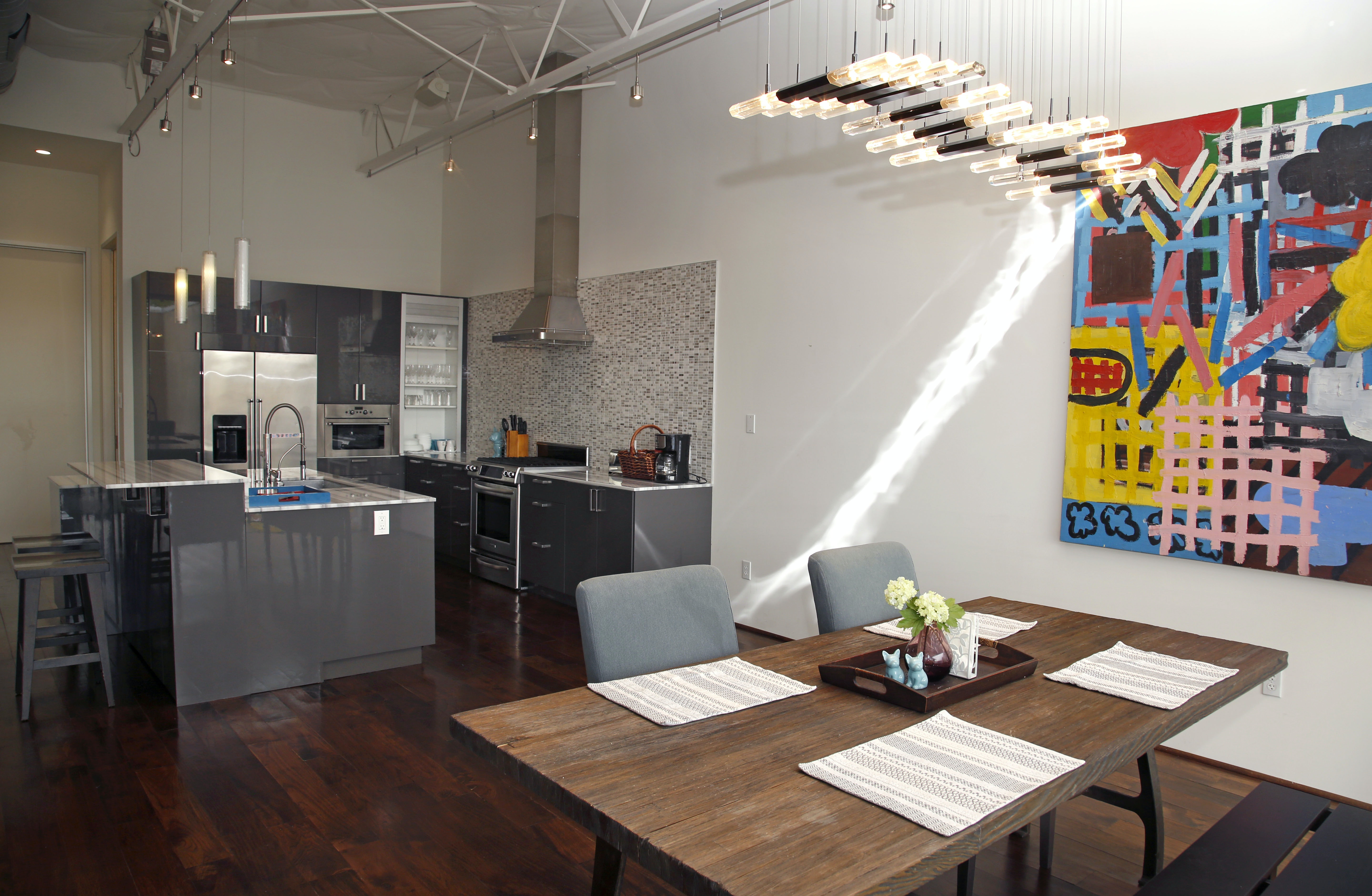 The Kitchen And Dining Area In One Of The Vantage Street Loft Homes In  Dallasu0027 Design District.