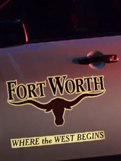 Man critically injured in shooting outside Fort Worth home