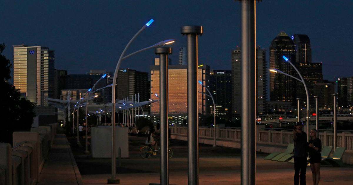 Why Are There Blue Lights On Top Of Dallas Streetlights By The Trinity River Curious Texas Sheds Some Light News