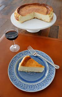 How To Make A Famous Spanish Cheesecake That Only Has 5 Ingredients