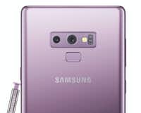 Dual cameras and the fingerprint sensor on the back of the Note 9(Samsung)