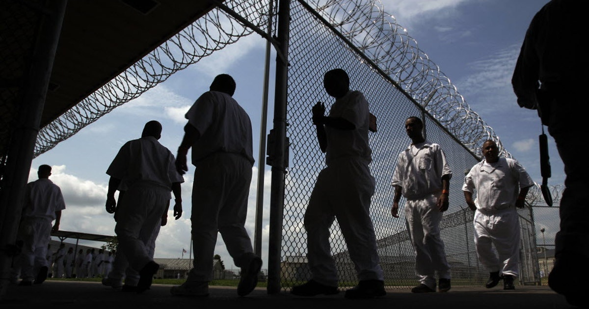 Texas prisons slash inmate phone call rates from 26 to 6 cents per