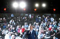 <p>Sen. Ted Cruz gives an election speech at Lava Cantina in The Colony on Aug. 27, 2018.</p>(Nathan Hunsinger/Staff Photographer)