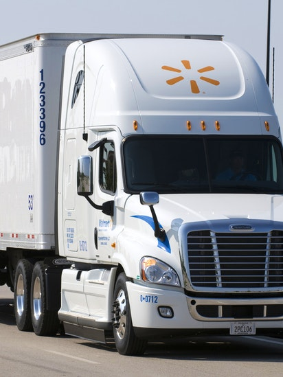 Walmart Needs More Truckers And Said Its Offering Referral Bonuses