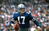 Dallas Cowboys quarterback Don Meredith gets set to throw a pass circa 1967.  (Tony Tomsic via AP)(Tony Tomsic/Tony Tomsic)