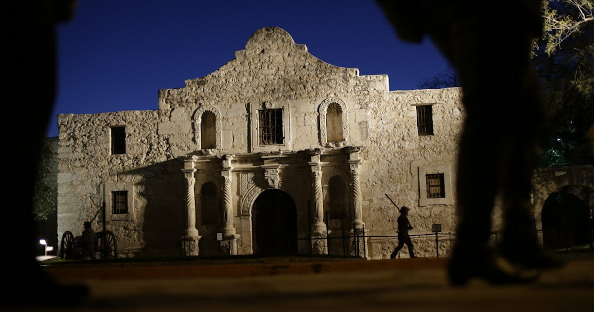 Were There Heroes At The Alamo Texas School Children Can Figure It