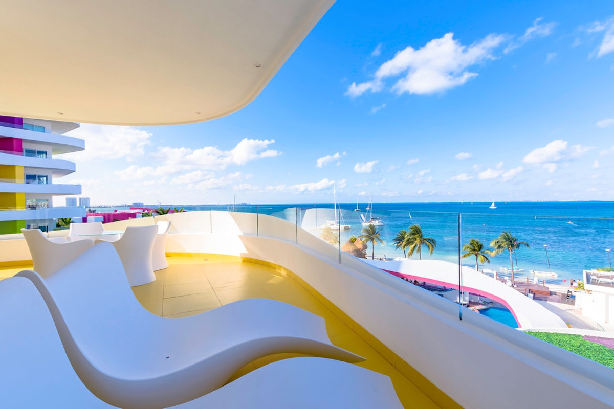 An adults-only spring break in Cancún — any time you want