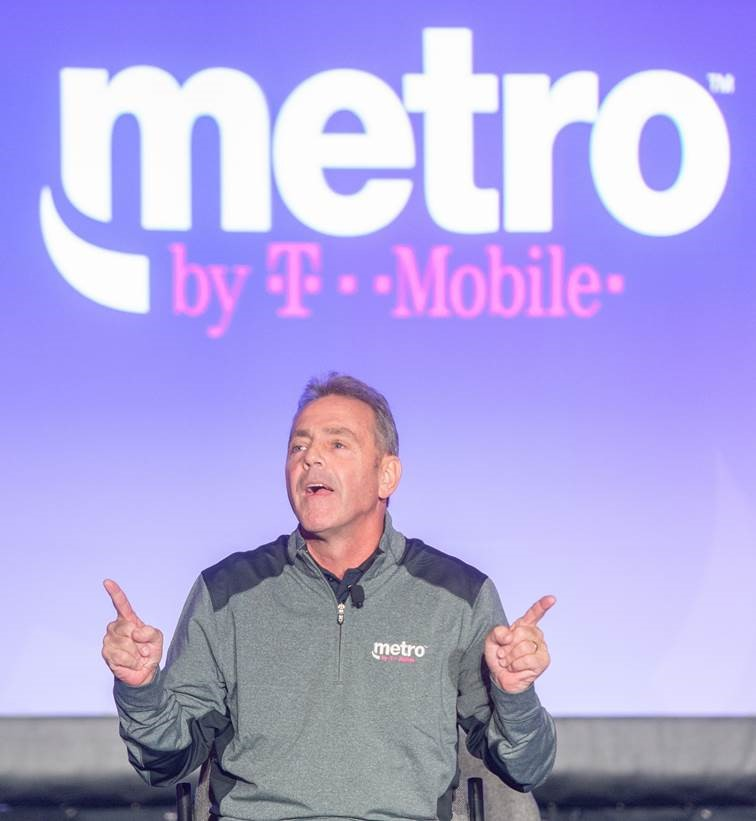 MetroPCS aims to shed prepaid-phone-service stigma with new