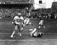 """Dallas Cowboys receiver Drew Pearson, No. 88, catches the famous """"Hail Mary"""" pass from Roger Staubach.(AP)"""