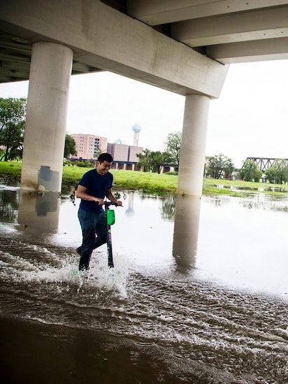 Rainy weekend will usher in 'miserable start to the week' in Dallas on