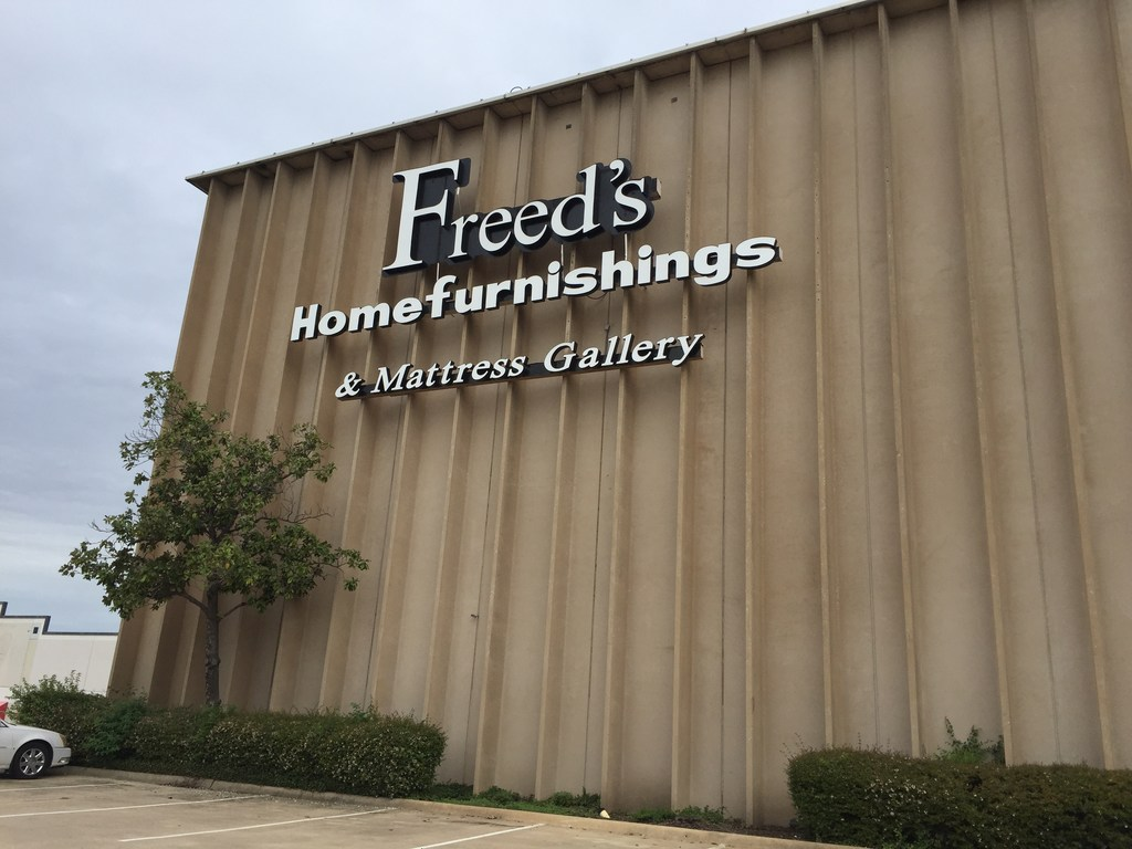 Family Owned Freed S Furniture Where You Can Afford Your Dreams Is Closing After 80 Years Retail Dallas News