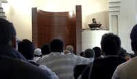 Imam Zia Sheikh spoke during a prayer service at the Islamic Center of Irving in 2008.(File Photo/Staff)