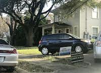A political yard sign for John Creuzot sits in front of a Dallas home on Wednesday, November 21, 2018. (Elvia Limón/ Staff Writer)
