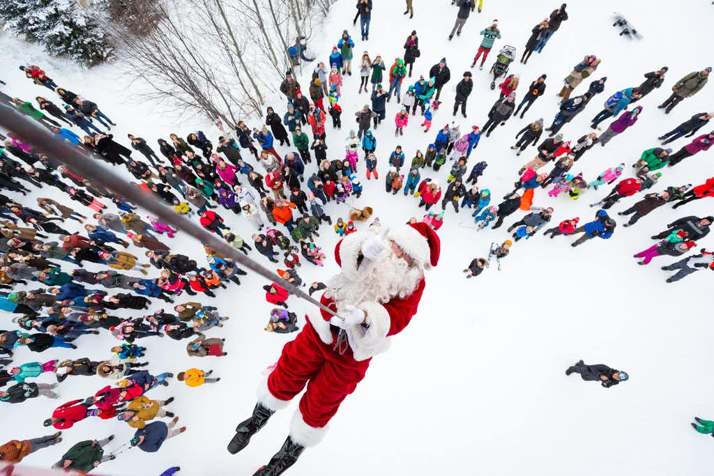 Santa drops in at the Jackson Hole Mountain Resort on Christmas Eve, rappelling onto the slopes from the Aerial Tram.(Eric Seymour/Jackson Hole Mountain Resort)