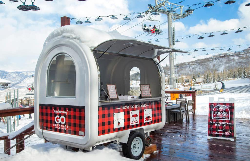 Aspen Snowmass is serving free candy cane-flavored s'mores for the holiday season.(Hal Williams Photography/Aspen Snowmass)