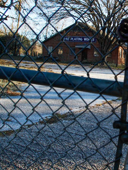In southern Dallas, a toxic Superfund site where answers remain
