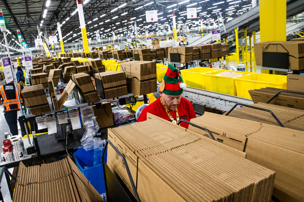 How Amazon delivers holiday gifts from the buy button to
