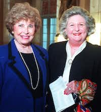 Nancy Cheney (left) and Lindalyn Adams at An Evening  With Nellie Connally in The Hall of State at Fair Park in 1997.(The Dallas Morning News)