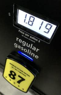 The price for members who buy their gas at Costco was even lower than the already low prices at gas stations around North Texas, on Dec. 1, 2018 in Dallas.(Michael Hamtil/The Dallas Morning News)