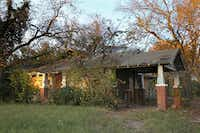 This house at 3708 Malcolm X will be demolished in coming weeks. It lasted from the late 1880s until now. Good job, Dallas.(Ashley Landis/Staff Photographer)