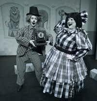 (from l-r) Alex Moore and Shelia Rose in Pegasus Theatre's new Living Black & White show, 'Clowning Around With a Murder!' at Eisemann Center in Richardson. (Robert W. Hart/Special Contributor)(Robert W. Hart/Special Contributor)