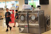 Expect blowout deals on appliances in the week leading up to Labor Day.(Scott Olson/Getty Images)