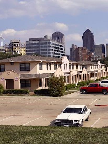 Auto City Dallas Tx >> What S The History Behind The Little Mexico Village Apartments In