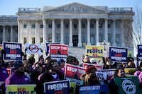 """<p><span style=""""font-size: 1em; background-color: transparent;""""><p><span style=""""font-size: 1em; background-color: transparent;"""">Air traffic controllers and airline industry officials demanded an end to the government shutdown during a rally Thursday outside the Capitol.</span></p></span></p>(Brendan Smialowski/Agence France-Presse)"""