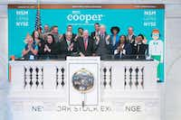 Jay Bray, Chairman and CEO of Mr. Cooper and other company executives after ringing the opening bell at NYSE in 2017.(Courtney Crow/NYSE)