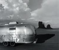 "<i>Airstream at Monument Valley Arizona</i>, <span style=""font-weight: normal;"">1979</span>(Roger Minick/PDNB Gallery)"