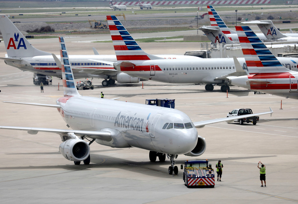 American Airlines' flight attendants union wants investigation of