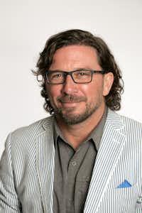 Eric J. Myers(Eric J. Myers)
