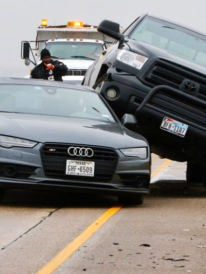 Icy conditions lead to hazardous roads, dozens of wrecks in Dallas